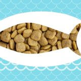 魚の形のドッグフード